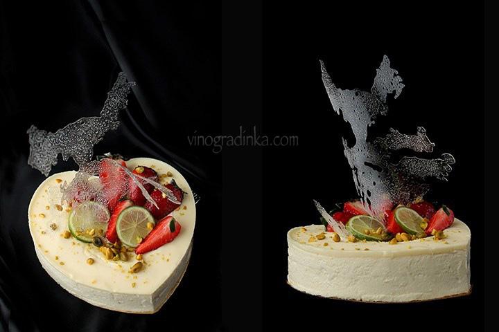 торт-мусс с лаймом и клубничным желе